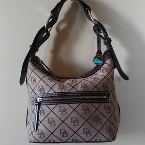 Fab Dooney & Bourke small hobo handbag
